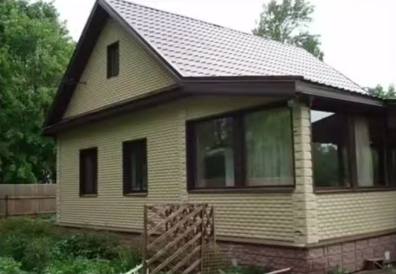 Сочетание цветов в отделке фасада дома