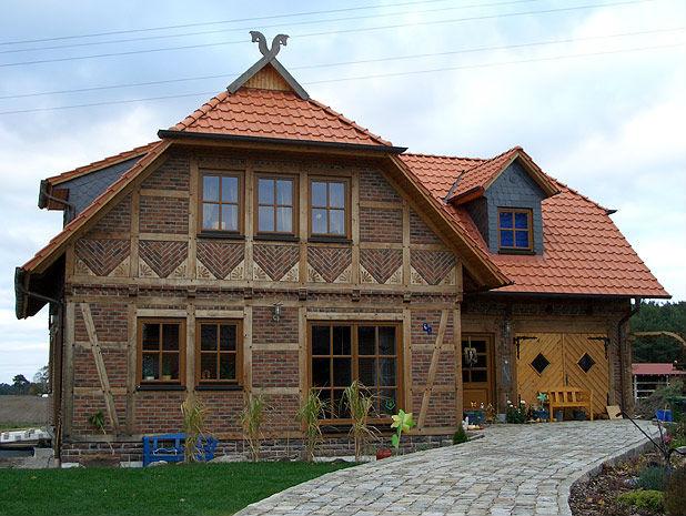 Отделка фасада дома в стиле фахверк