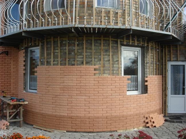 Можно облицевать фасад любой формы