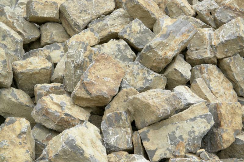 Дикий камень для фасада