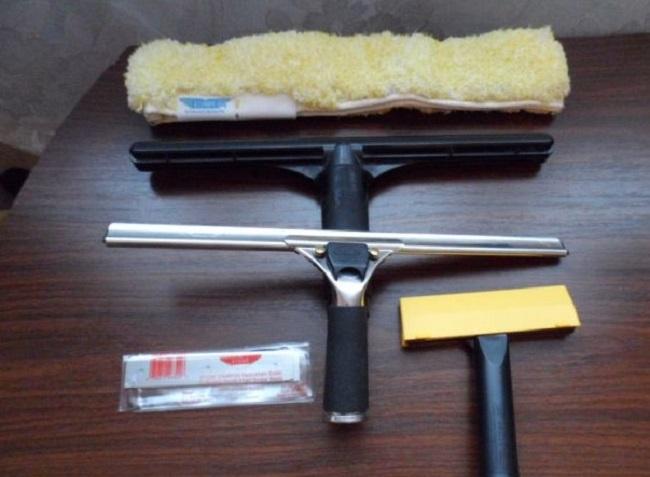 Инструменты для мытья фасада