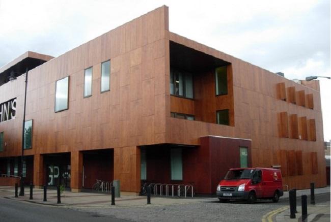 Вентилируемый фасад из натуральной древесины