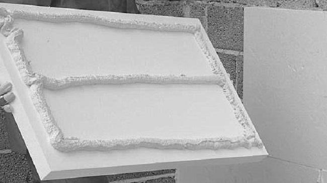 Оптимальный способ фиксации пенпласта при утеплении - на фасадный клей