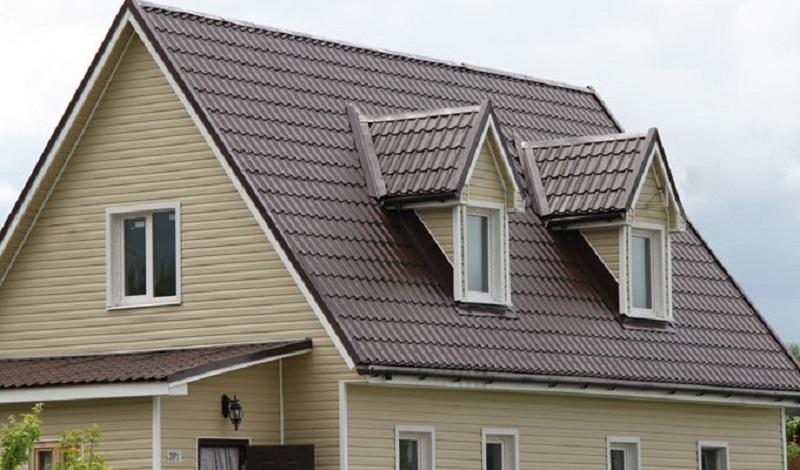 Двухскатная крыша с металлочерепицей - мансарда