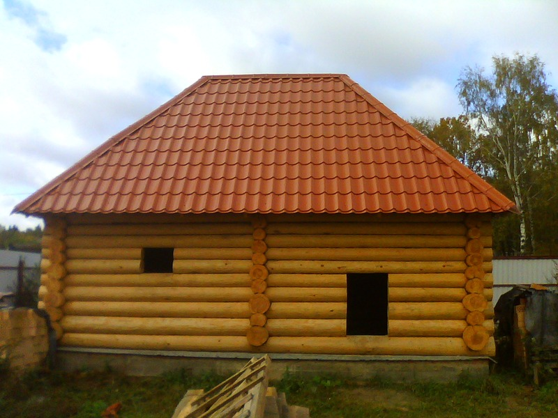 Вальмовая крыша бани