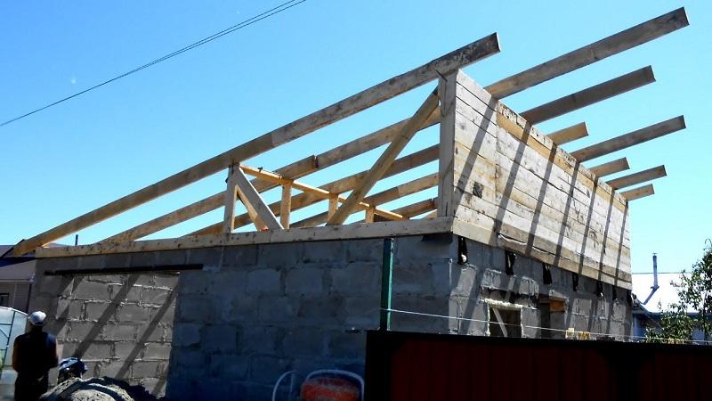 Односкатная крыша бани