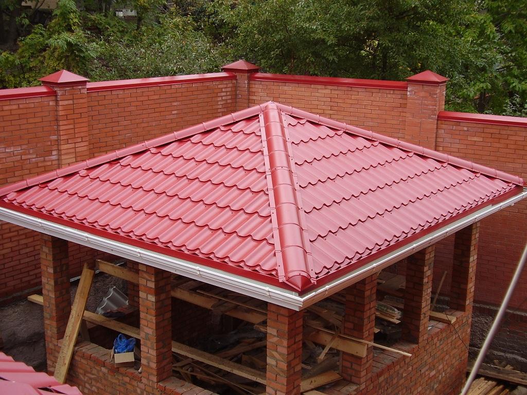 Шатровая крыша из металлочепица