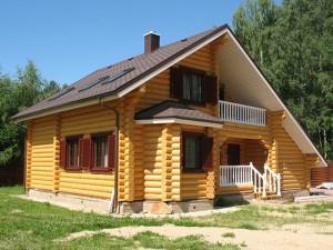 Долговечность дома из бруса в немалой степени зависит от качества фундамента
