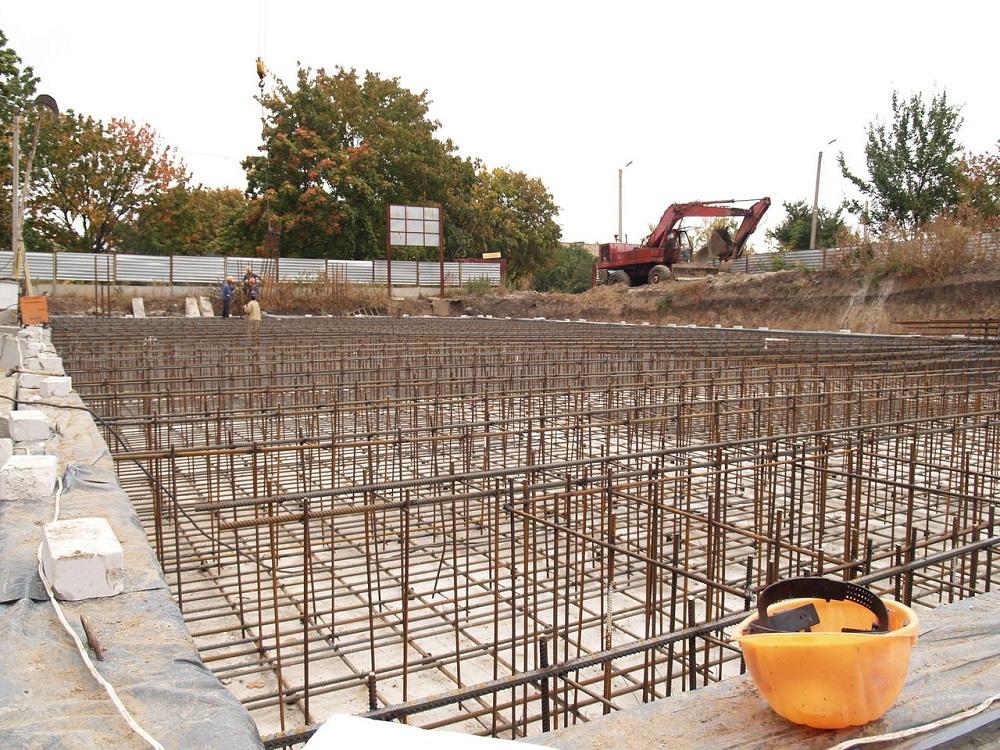 Для монолитов в многоэтажном строительстве показан бетон М400