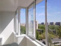 Остекление балконов и лоджий обеспечивает надежную защиту помещений